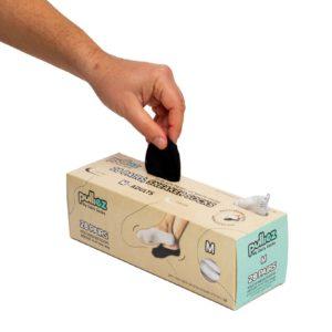 קופסת 28 זוגות גרבי בוגרים פוליז סניקרס, צבע לבן + צבע שחור, מידה M